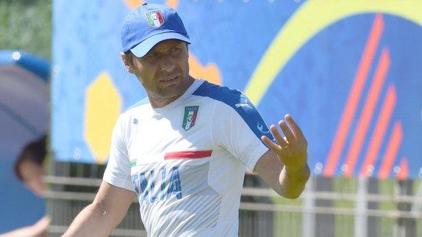 italy-coach-antonio-conte-training_3481257